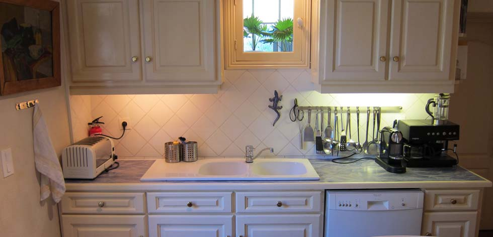 Villas to Rent in Provence - French Riviera Cote d'Azur Rentals - Kitchen