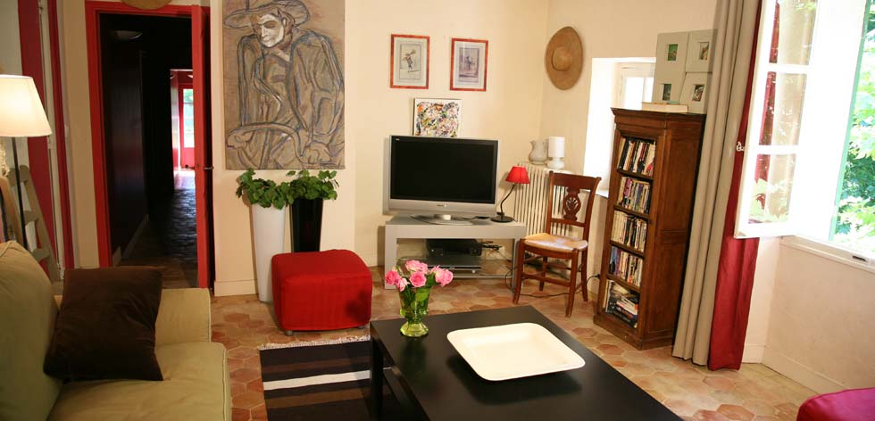Villas to Rent in Provence - French Riviera Cote d'Azur Rentals - TV Room
